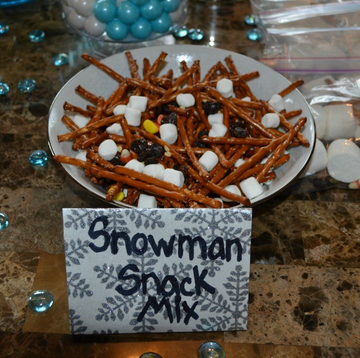 Frozen Snowman Snack Mix