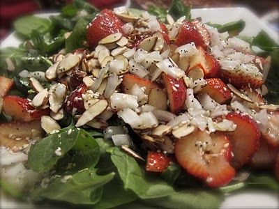 salad strawberry spinach