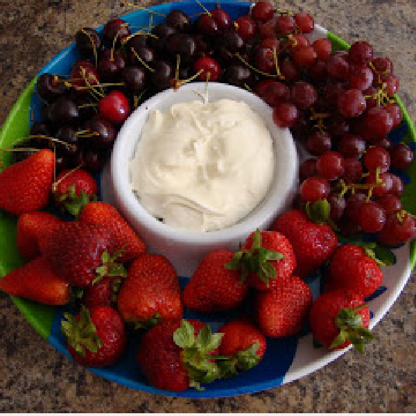 Tasty Tuesday: Marshmallow Fluff Fruit Dip