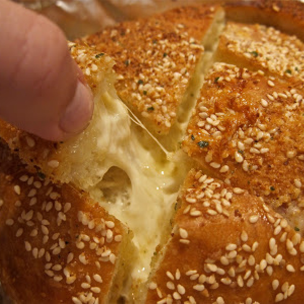 Easy Cheesy Beautiful Bread – A Must See!