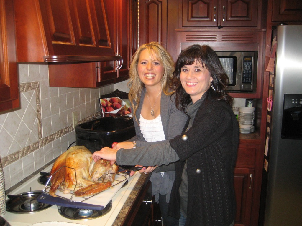 If you have a roaster oven, cooking the perfect turkey is so easy, you wont even believe it. Here is a tutorial on how to cook a turkey in a roaster oven. #turkey #holiday #thanksgiving #christmas