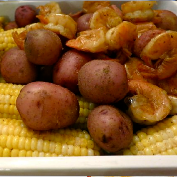 Low-Country Boil {Hearty One Pot Meal}