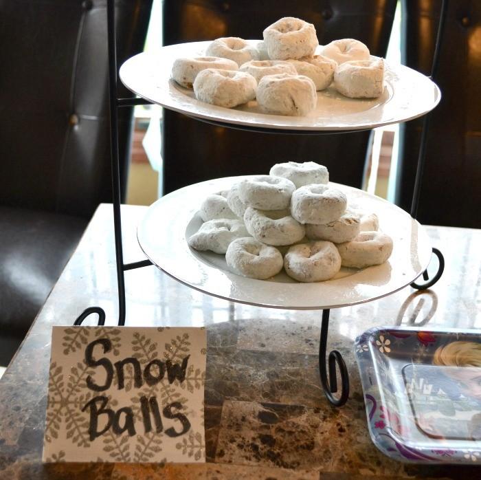 Frozen Snowballs