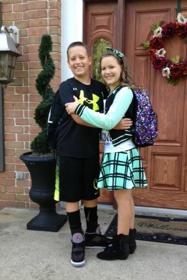 first day of school hug (1)