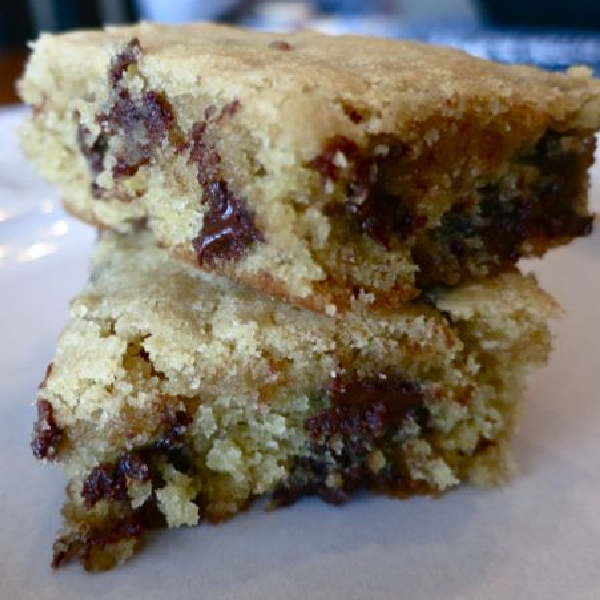 Chocolate Chip Blonde Brownies