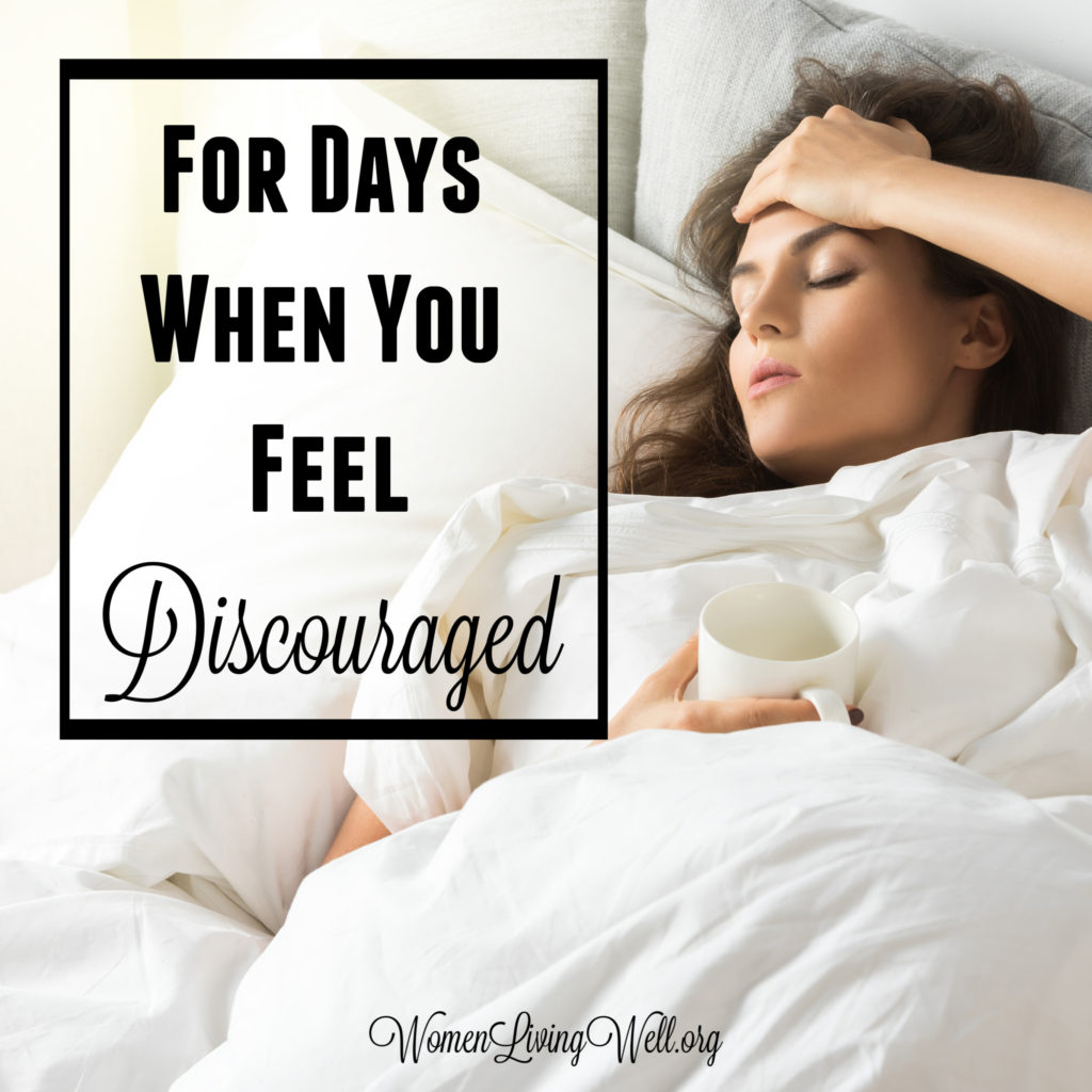 We all have days, or even seasons of life, when we feel discouraged. Here are 8 things we can learn from the life of Elijah in those times of discouragement.  #Biblestudy #1Kings #WomensBibleStudy #GoodMorningGirls