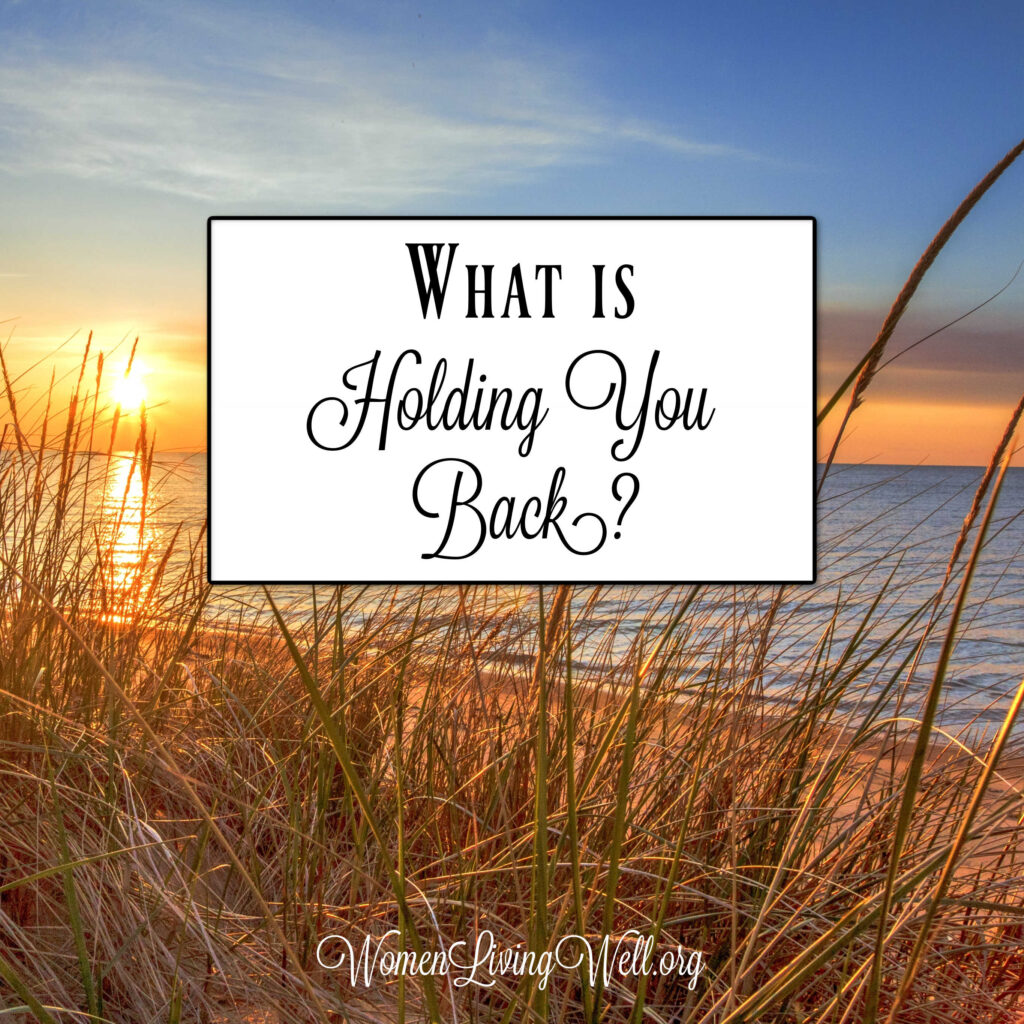 There are things in our spiritual lives that threaten to snag us and keep us from moving forward with God. What is holding you back right now? #Biblestudy #Psalms #WomensBibleStudy #GoodMorningGirls